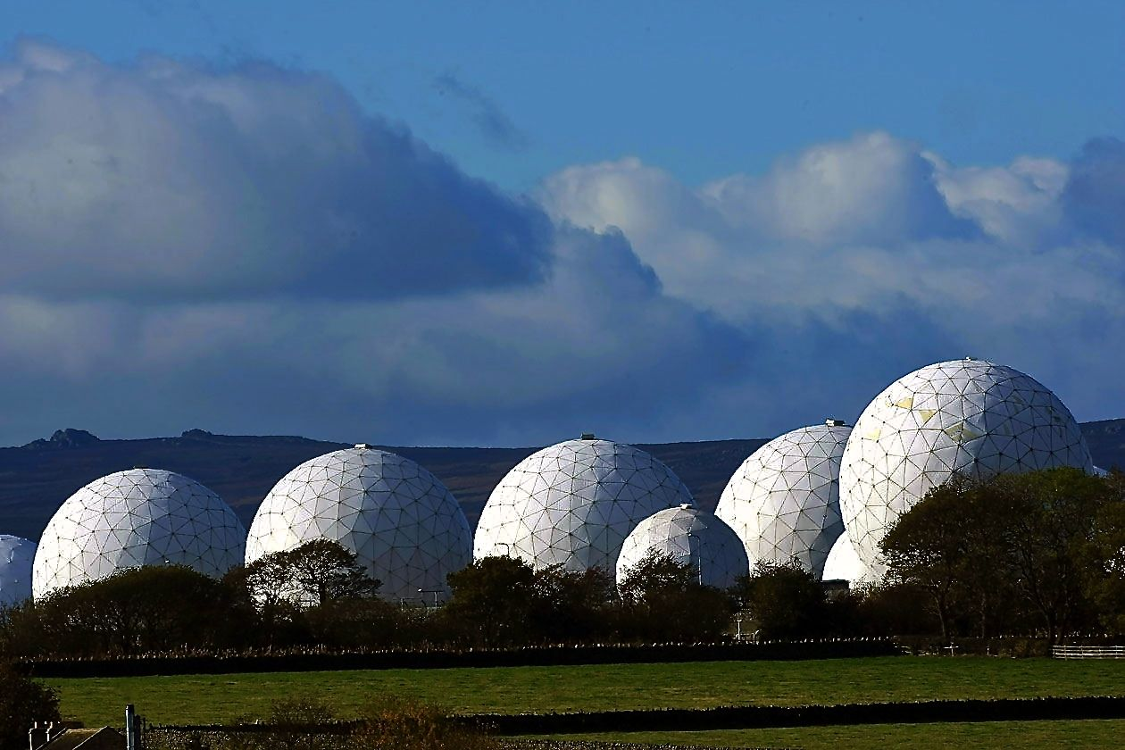 """<a href=""""http://impiousdigest.com/the-2011-murdoch-phone-hacking-scandal-and-the-five-eyes/"""">NSA Files: Surveillance Network, FOX News Alliance in Hacking Scandal</a>"""